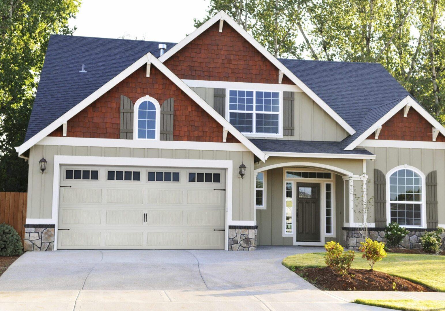 440_garage-door-House About Us #1
